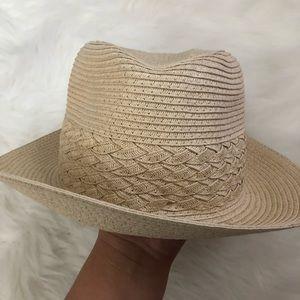 Super cute straw like hat fedora brown tan spring
